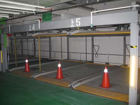 double_decker_car_parking.JPG